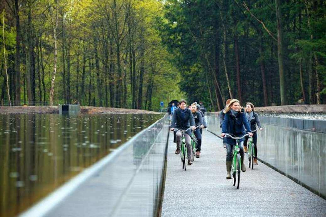 Innovatieve fietsroute door het water
