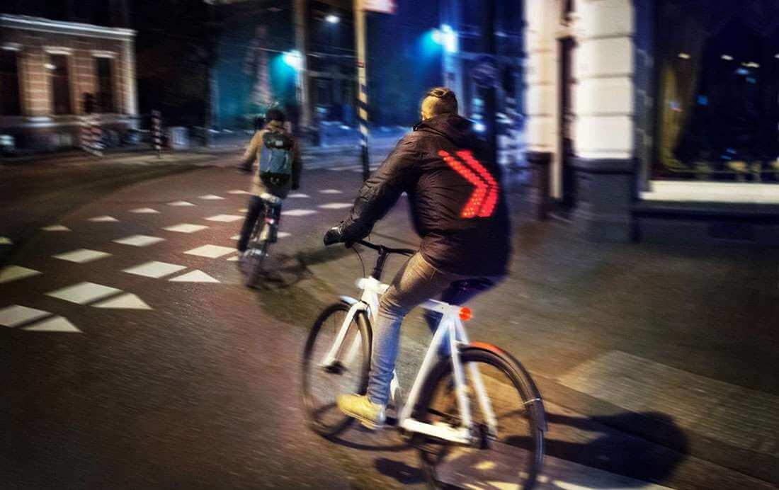 Smartjacket: de oplossing tegen appen op de fiets?